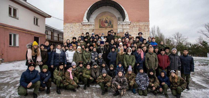 Литургия для участников зимних молодежных полевых сборов «Казачья застава» в Ознобишино