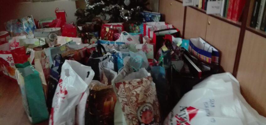 Новогодние подарки для пожилых людей