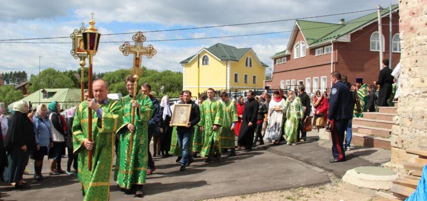 День Святой Троицы – престольный праздник в Ознобишино