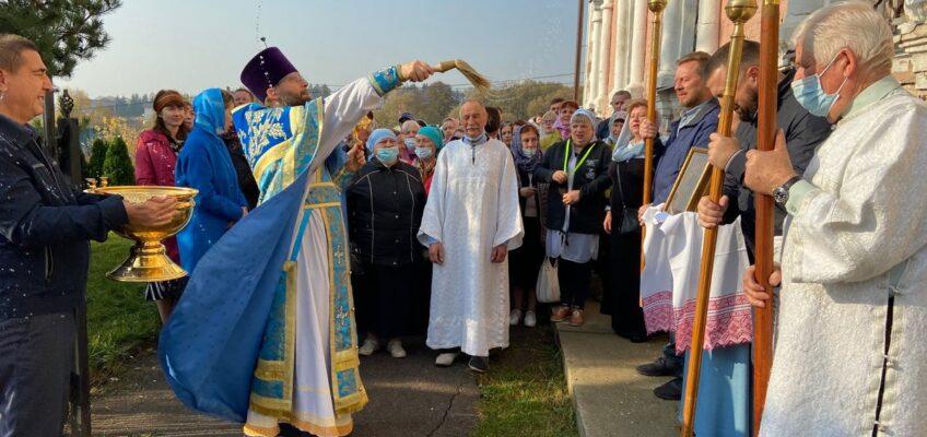 Покров Пресвятой Богородицы. Престольный праздник в Ознобишино